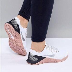 Nike Metcon 4 women's white pink training shoes